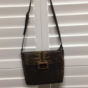 Leather shoulder strap bag with animal print